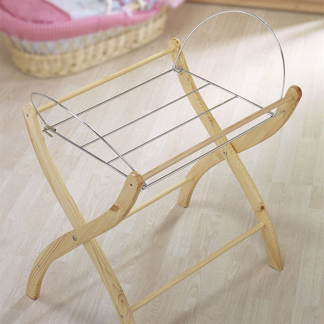 izziwotnot moses basket stand izziwotnot at w h watts. Black Bedroom Furniture Sets. Home Design Ideas
