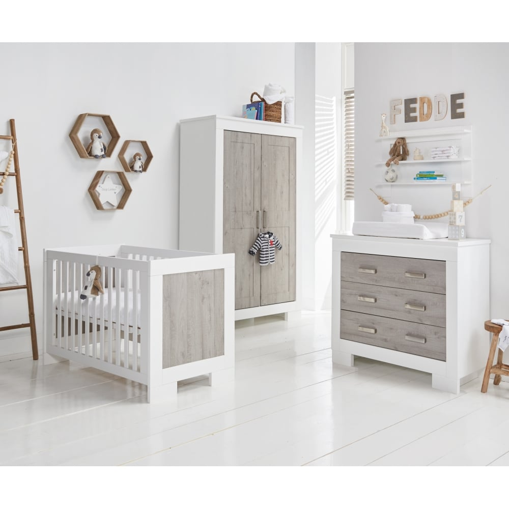 babystyle chicago nursery furniture set from w h watts. Black Bedroom Furniture Sets. Home Design Ideas